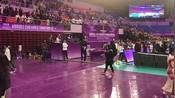 女排世俱杯中国女排执行教练到场,安家杰等第一时间询问朱婷伤势