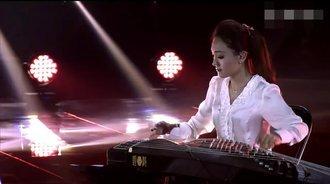 龚琳娜翻唱《隐形的翅膀》,张韶涵表情亮了