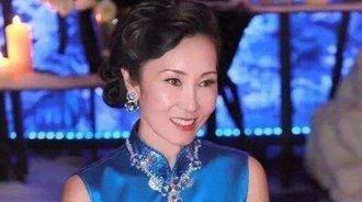 王思聪妈妈才是大写的气质美女,横扫娱乐圈的硅胶脸女明星