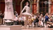 Thom Browne 巴黎男装周2020春夏大秀完整走秀视频。
