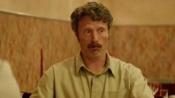 《男人与鸡》中文预告片 米科尔森献神经质演技