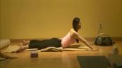 瑜伽练习视频:专业瑜伽老师教你轻松学习瑜伽,入门级瑜伽教学