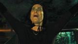 小镇居民相继离世,恐怖气氛围绕整片天空,原来都是因为女巫