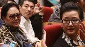 宋祖英素颜现身 助阵音乐剧与斯琴高娃热聊
