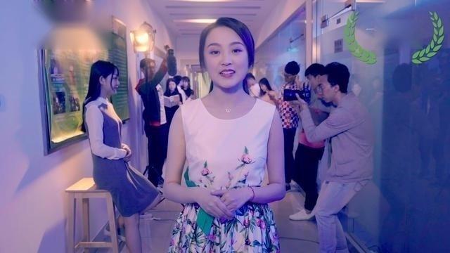 清华学生玩一镜到底!看来学新闻的美女帅哥就是多