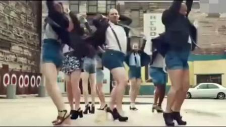 这舞跳的简直太妖孽了 男人骚起来没女的啥事了