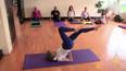 98岁瑜伽师身姿柔软似少女 称不应为吃而吃