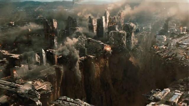 好莱坞的2012世界末日的精彩片段,国内想做都做不出来