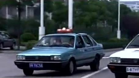 女出租司机一天被拦三次,为第三个交警的做法点赞