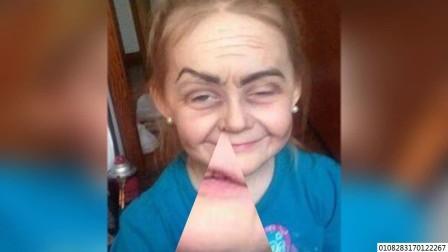 3岁小女孩靠神奇化妆秒变80多岁老奶奶