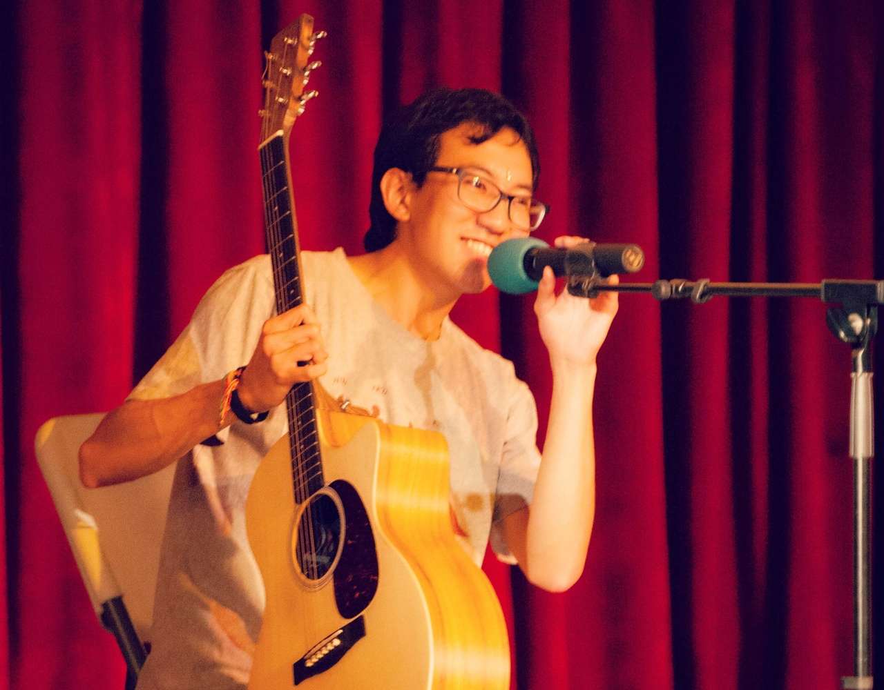 【semester at sea】talent show系列——思涵同学在奥德赛号告别晚会上的一段吉他弹唱《风之诗》《再见》《骊歌》