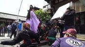 《双世宠妃2》:花絮,曲小檀玩滑板车!