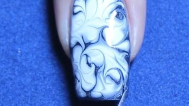 指尖艺术——美甲 双色系蓝白花瓷纹理质感丰富