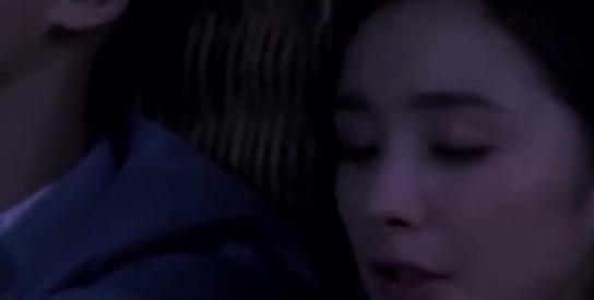 杨幂和李易峰这对情侣,竟然连深情告白都那么不同!