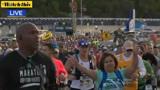 洛杉矶万人马拉松如期火热举行 老大爷为纪念癌症去世妻子参赛