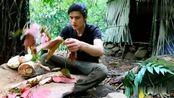 丛林生存,棕榈芯是很好的食物来源,有着蔬菜之王的别称!