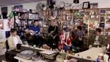 Tiny Desk不插电现场系列:Paramore