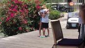比伯海莉鲍德温订婚 早前在巴哈马的一家餐厅浪漫求婚