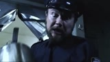 地狱男爵:异形冲入地铁,男爵却被当做敌人?