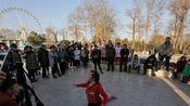 """郑州公园叫停尬舞""""三咖"""" 街边广场处处是舞台"""