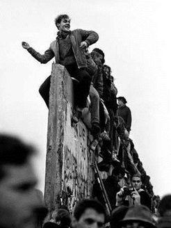 推倒柏林墙海报剧照