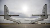 世界最大飞机首飞!28个轮子6台发动机,却坚决不载人拉货-科技狐-科技-科技狐TV