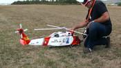 这架遥控直升机价值一辆五菱宏光,起飞太帅气了!