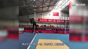 跳高名将张国伟被开除后,返回国家队训练,墙上16字打脸!