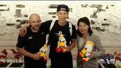 #林书豪抵达北京开始cba征程#9月25日下午,林书豪抵达北京首都国际机场,正式归队备战新赛季。北京首钢俱乐部官方视角视频新鲜出