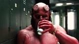 地狱男爵:喷雾人指出男爵的致命弱点,然后被男爵一拳轰爆了