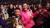 陈小春宣布应采儿怀二胎,感谢老婆