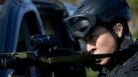 《校花的贴身高手》劫匪劫持人质, 特警只能在远处干巴巴的望着