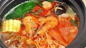 大叔开店卖砂锅,8种口味53个种类随便选,2间屋子坐满人