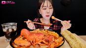 韩国吃播小姐姐yum-yum热情小吃小龙虾吃播!(feat.30cm炸鱿鱼)吃货放送