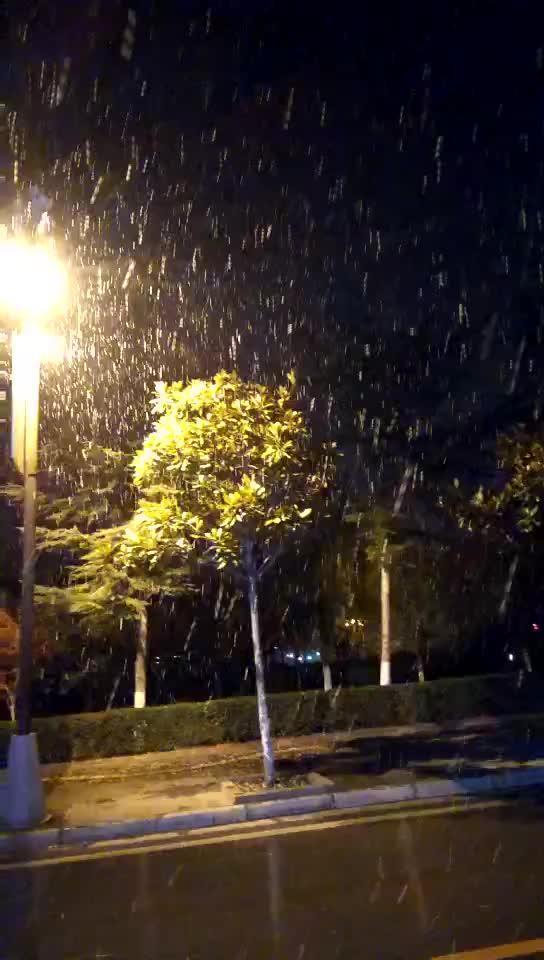 四川阿坝州茂县,2017年第一场雪