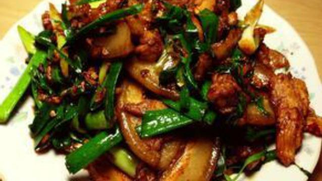 蒜苗回锅肉的家常做法,好吃