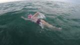 法国17岁女孩游泳22小时,跨越英吉利海峡 300次播放