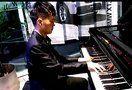 宝马4S店内活动演奏久石让《天空之城》(钢琴上的好声音)