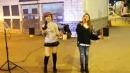美女歌手小红和小甜甜合唱一首《最炫民族风》,歌声高亢好听