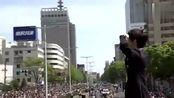 羽生结弦庆功游行11万人围观花式展示招牌动作好阴柔