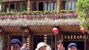 今天在丽江四方街行走,老奶奶们在跳四方街纳西族舞蹈,一起加入