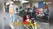 90后女生手绘修补共享单车车牌
