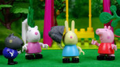 小猪佩琦和朋友们获得奇妙森林能力,瑞贝卡竟然能举起大石头!