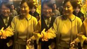 65岁林青霞现身乌镇戏剧节,皮肤光亮紧绷气质出众,被赞冻龄有术