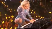 现场女王归来,LadyGaga第51届超级碗中场秀全场视频