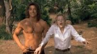 女子在森林遇见个野人, 上演一段美女与野兽的童话故事