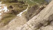 翼装飞行穿过峡谷 这风景真是美得极致