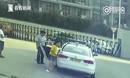 女大学生驾校学车时猝死车中 教练无动于衷就这么看了20分钟