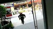 岳阳楼区消防大队深入步步高广场开展灭火救援实战演练