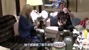 王思聪乞丐装和陈雅婷吃面,粉丝:旁边的妹子是真爱